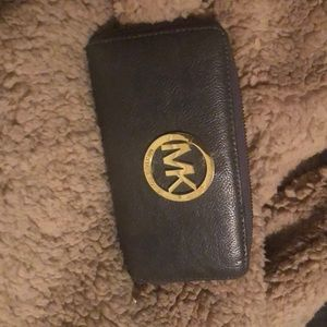 Michael Kors Wallet $10 Well used